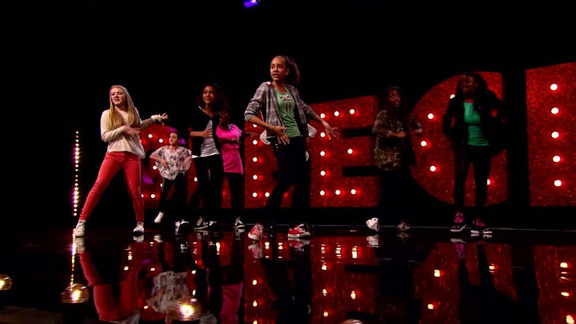 M.A.D. perform on Comic Relief Does Glee Club