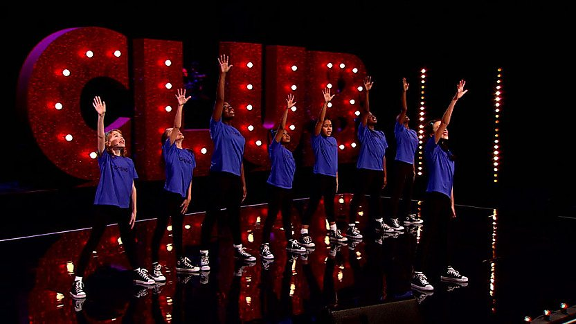 Domino perform on Comic Relief Does Glee Club