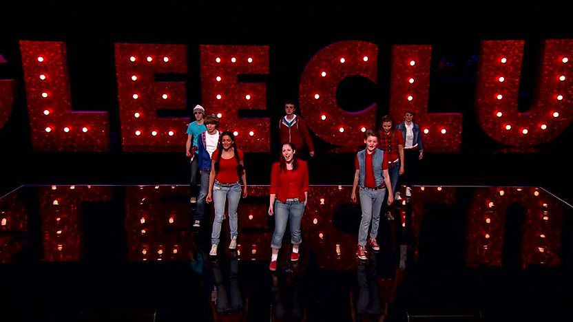 Figure of Eight perform on Comic Relief Does Glee Clulb