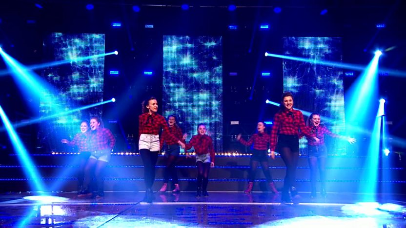 Raveheart perform on Comic Relief Does Glee CLub