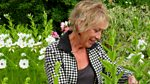Life in a Cottage Garden with Carol Klein: Original Series: Spring into Summer