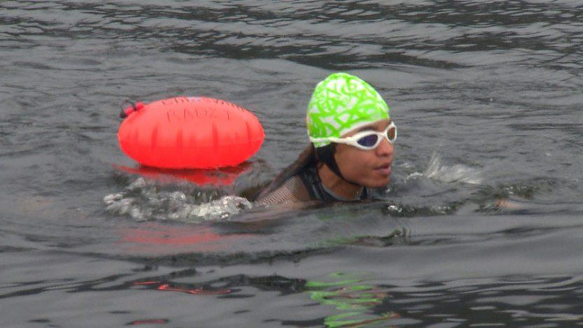 Radzi swimming