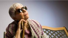 Mujer ciega