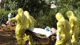 Entierro de una persona muerta por ébola en Sierra Leona