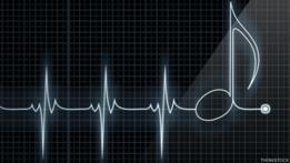 Monitor de corazón con nota