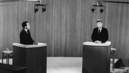 Richard Nixon (izqda) y John F. Kennedy en el debate de 1960.