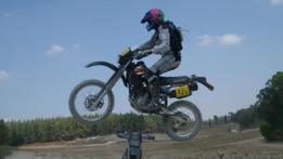 Gal en motocicleta