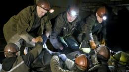 Mineros en Donetsk recuperan los cuerpos de sus colegas