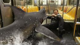 Escena de Sharknado 2