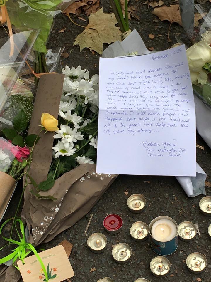 Những dòng chữ tưởng niệm nạn nhân