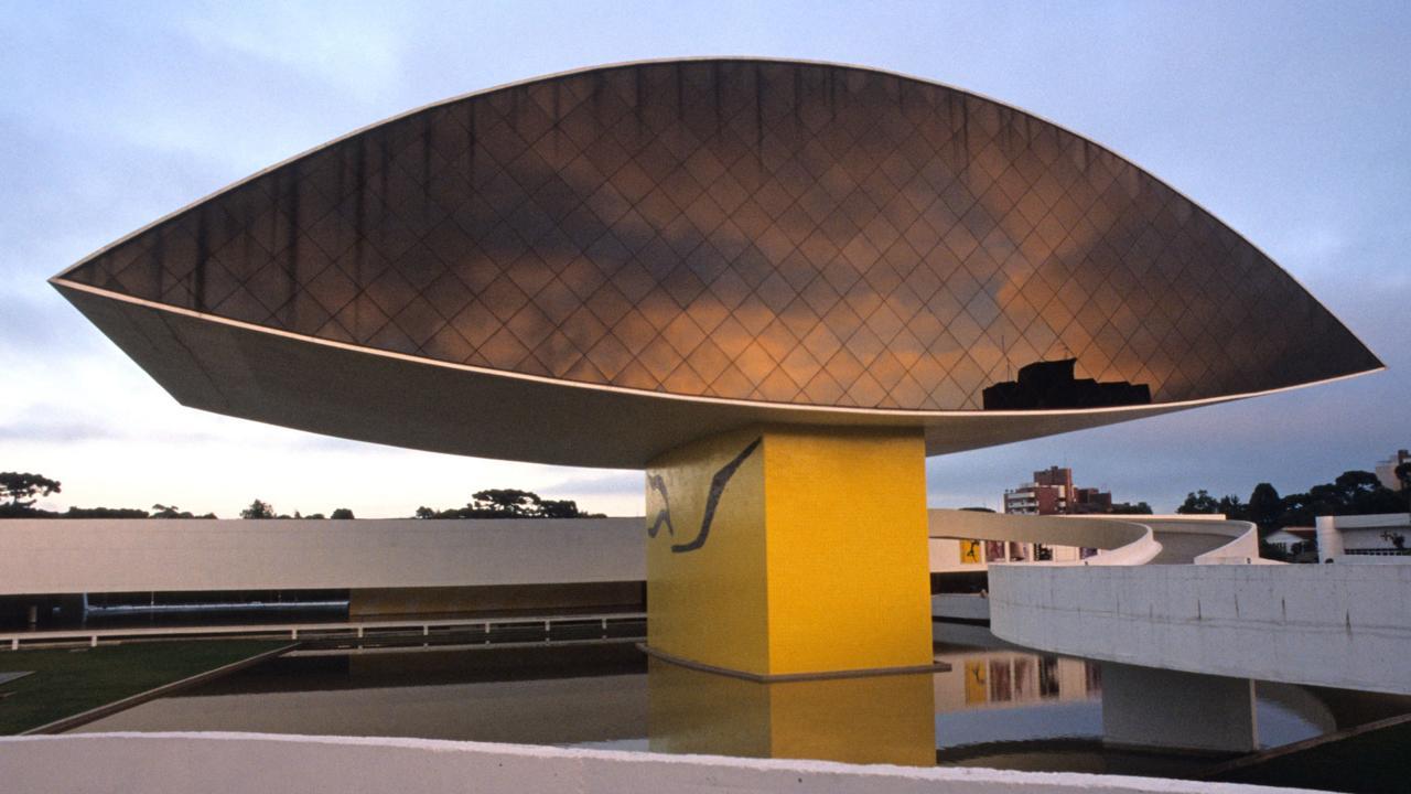 Oscar Niemeyer Museum, Brazil (Credit: Credit: Chris Schmid Photography / Alamy Stock Photo)