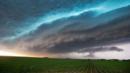 Storm warning (Credit: Chris Machian, The World-Herald/AP)