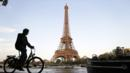 Scenic Cycling (Credit: Kenzo Tribouillard/AFP/Getty Images)