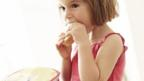 Eating same food as parents 'healthier for children'