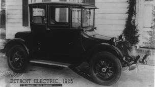 The Detroit Electric automobile, 1925