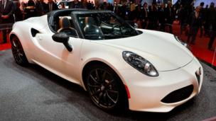 Alfa teases with a topless 4C