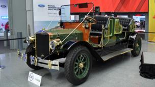 A horseless carriage for New York