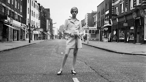 Twiggy on the King's Road (Stan Meagher/Express/Getty Images)