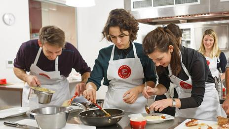The lessons, called Cook, Eat, Run, are offered weekdays (L'Atelier des Chefs)