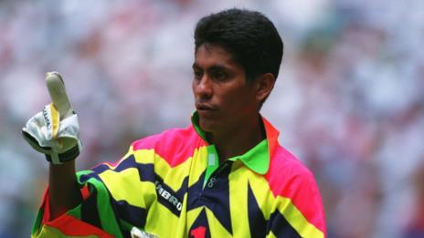 Jorge Campos (David Cannon/ALLSPORT)