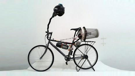 "The ""Breathing Bike"" transforms smog into clean air (Matt Hope)"