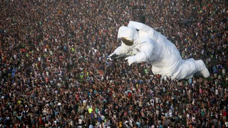 Astronaut art piece, Coachella (David McNew/AFP/Getty Images)