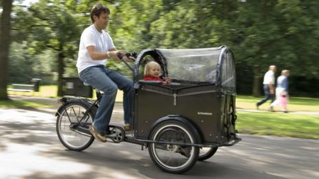 In Amsterdam, cargo bikes are supplanting family sedans.
