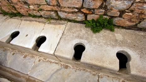 The loo in ancient times was a social experience (Jason Toff/Flickr/CC BY 2.0)