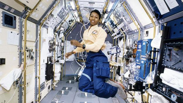 Astronaut Mae Jemison working in Spacelab (Copyright: Nasa)