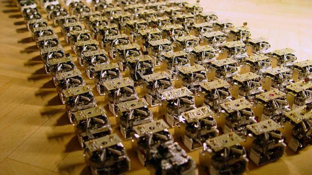 Robot swarms aim to bring buildings to life