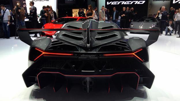 Lamborghini Veneno (Credit: Matthew Phenix)
