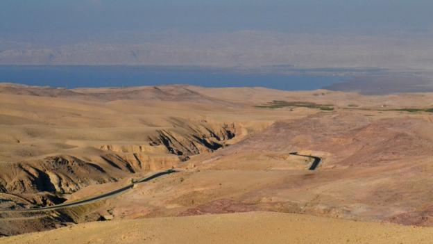 The road from Madaba to Mount Nebo (Credit: Gabriel O'Rorke)