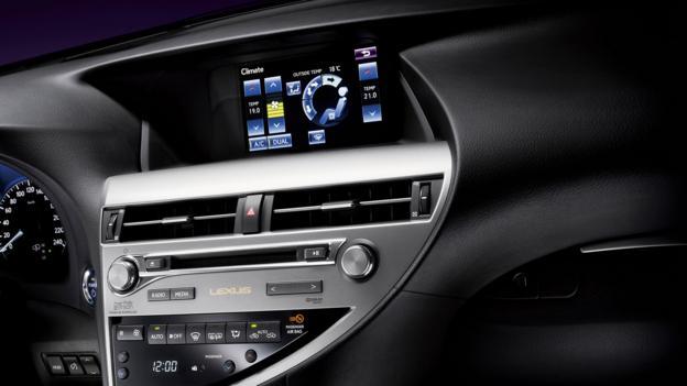 2013 Lexus RX 450h (Credit: Toyota Motor Sales)