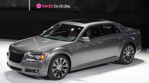 2012 Chrysler 300 S (Credit: Chrysler Group)