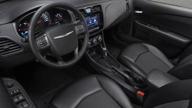 2013 Chrysler 200 S Special Edition (Credit: Chrysler Group)