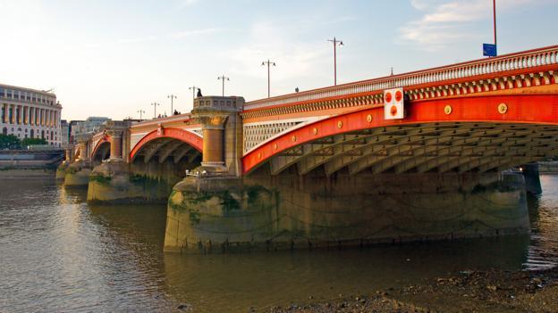 Blackfriars Bridge (Credit: Barry Winiker/Getty)