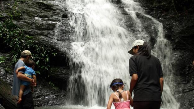 Approaching a waterfall in Ulu Temburong (Credit: Sameena Jarosz)