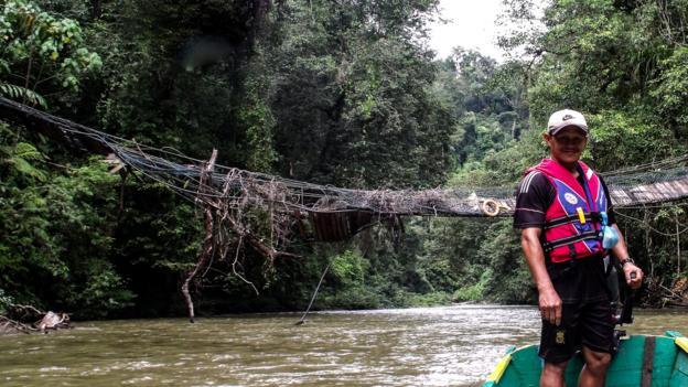 Travelling upstream (Credit: Sameena Jarosz)