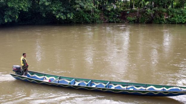 A longboat on the Temburong River (Credit: Sameena Jarosz)