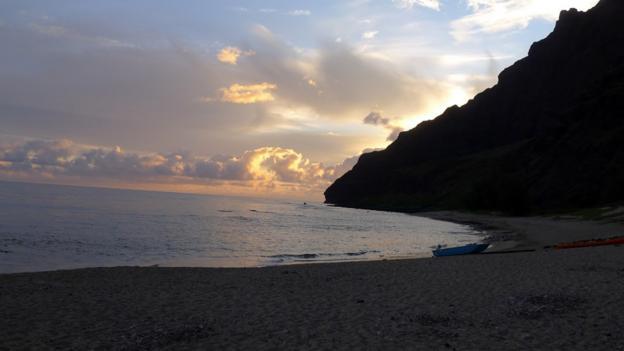 BBC - Travel - Kayaking Kauai's Na Pali Coast
