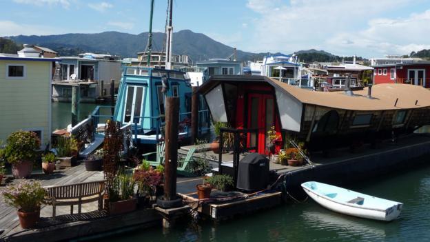 Houseboats (Credit: Yuliya Popova)