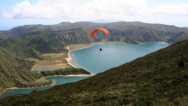 Paragliding (Credit: visitazores.com)