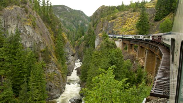 The Whistler Mountaineer in Cheakamus Canyon (Credit: Ken Paul/Getty)