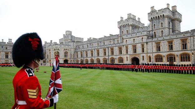 Royal guards at Windsor Castle (Credit: Getty Images)