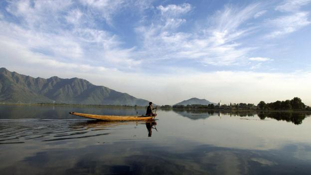 Dal Lake (Credit: Emmanuel Dundand/AFP/Getty)
