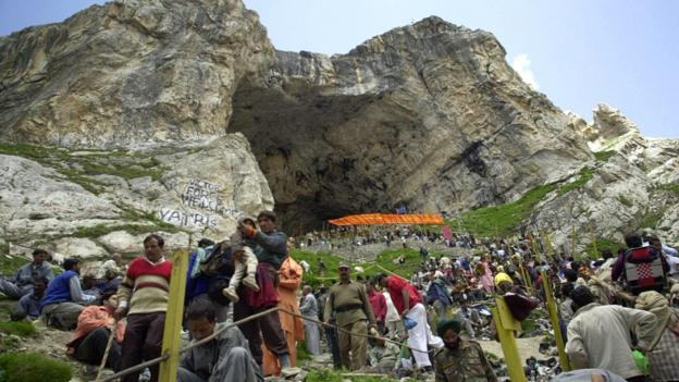 Devotees gather at the Amarnath shrine (Credit: Sajjad Hussain/AFP/Getty)
