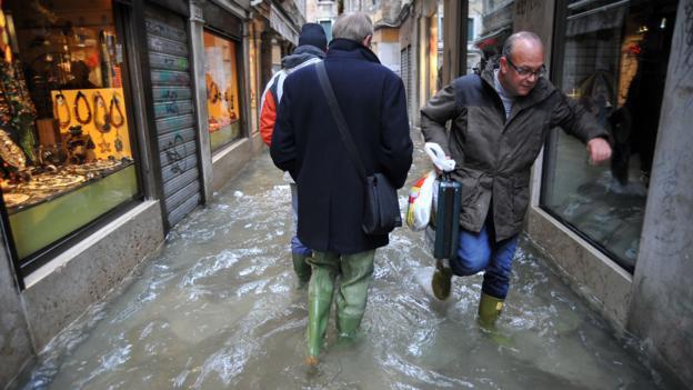 """The """"acqua alta"""" (high water) (Credit: Andrea Pattaro/AFP/Getty)"""