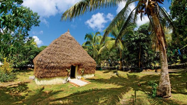 Tribal accommodation, Lifou (Credit: © Destination Iles Loyaute Ducandas)