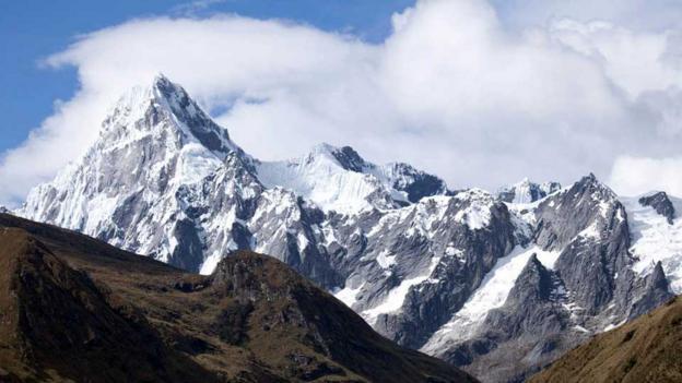 Glacier-encrusted rock (Credit: Alex Robinson)