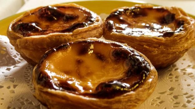 Traditional Portuguese tarts (Credit: Sameena Jarosz)